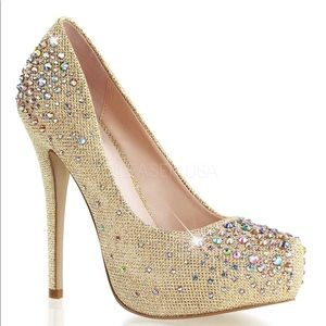 Shoes - FABULICIOUS gold/nude heels